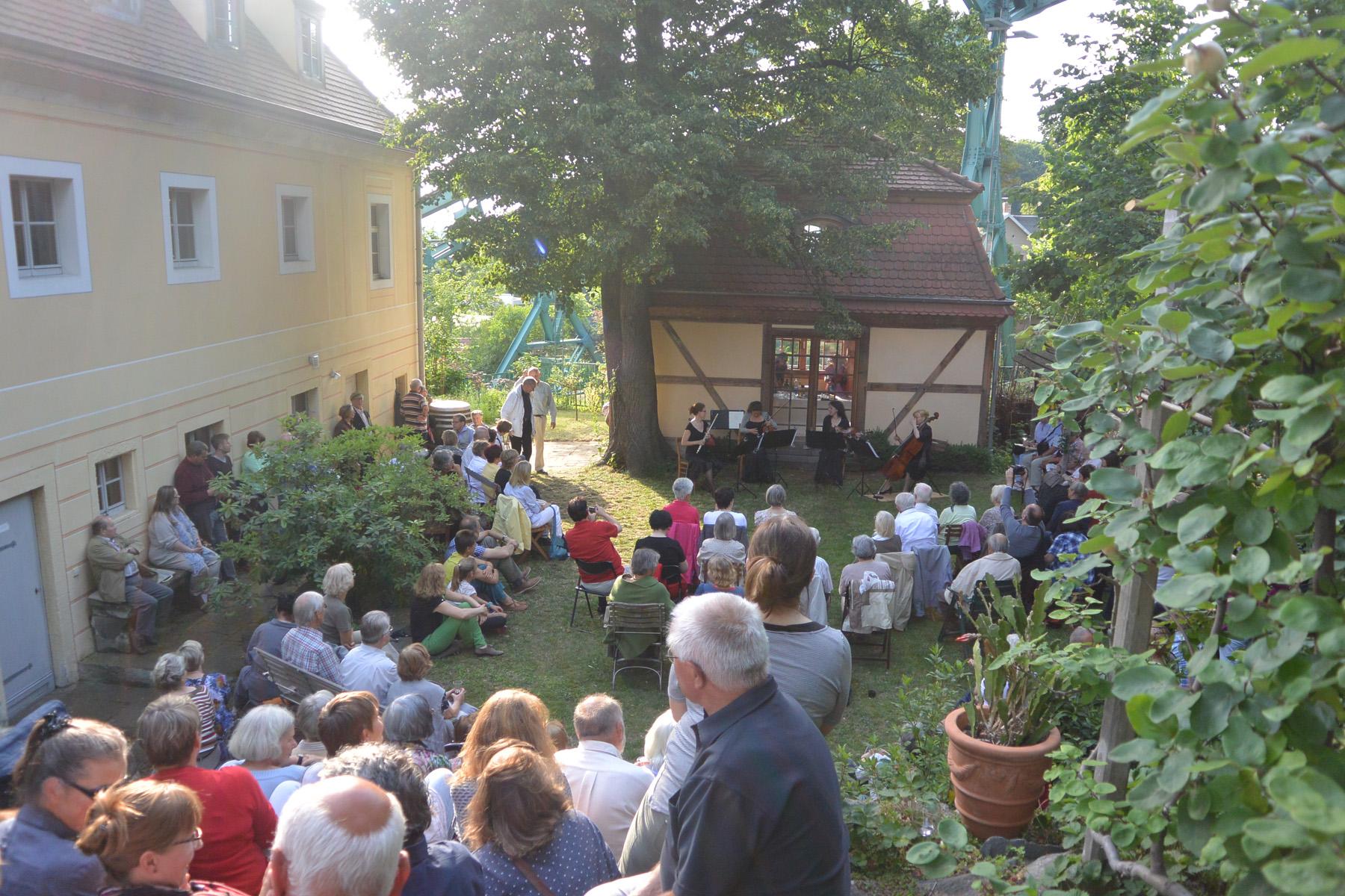 Elbhangfest - Musik unter der Schwebebahn