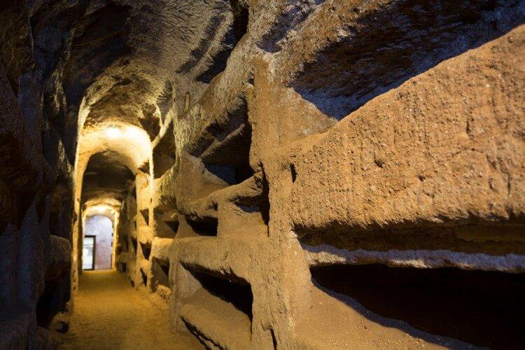 Halbtagestour: Basiliken, Heilige Treppe & Katakomben - Bild 6