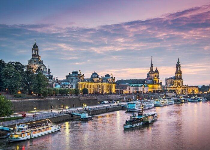 Abendfahrt - Schifffahrt über die Elbe - Bild 1
