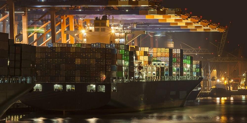 Abendliche Lichterfahrt durch Hamburgs Hafen - Bild 5