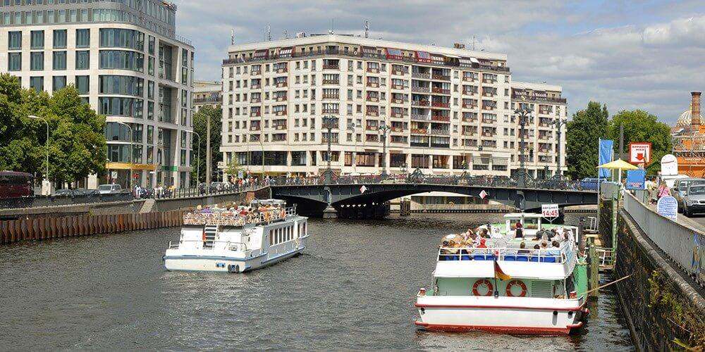 Stadtrundfahrt mit 18 Haltestellen für 24 Std. - inkl. 1 Std. Spreerundfahrt - Bild 5