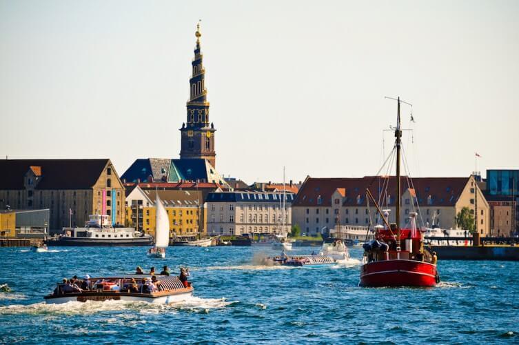 Große Stadtrundfahrt + Schifffahrt - Bild 3