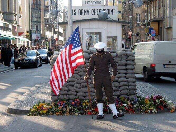 Stadtrundfahrt + Bunkerführung - Bild 2