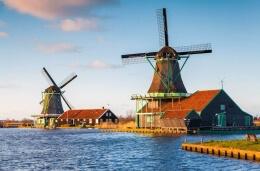 Holland-Tour: Windmühlen, Käsemanufaktur & Holzschuhmacher