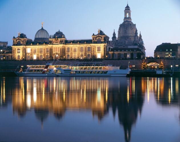 Abendfahrt - Schifffahrt über die Elbe - Bild 2