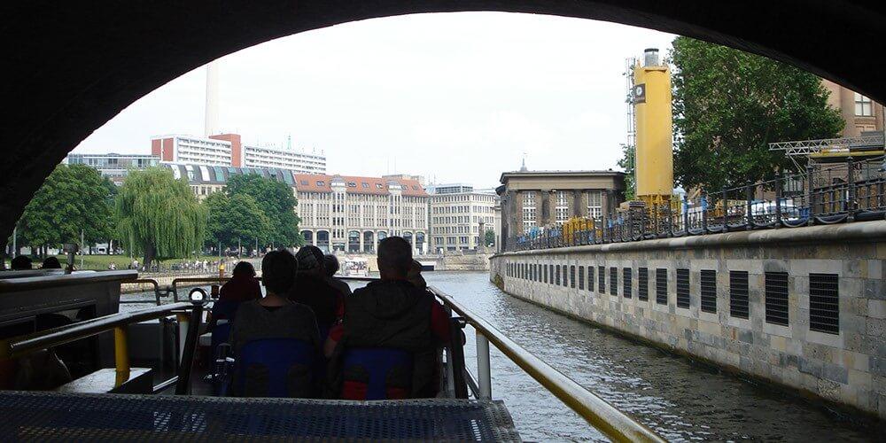 Stadtrundfahrt mit 18 Haltestellen für 48 Std. - inkl. 1 Std. Spreerundfahrt - Bild 3