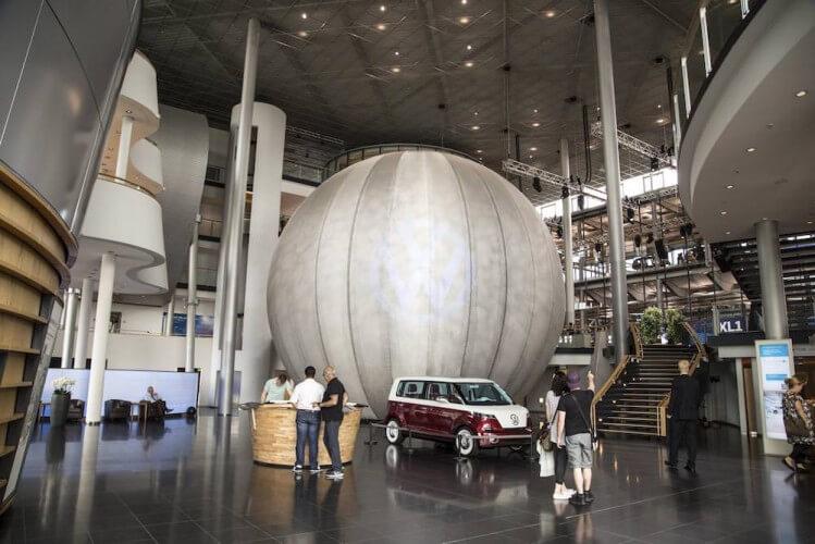 Führung Gläserne Manufaktur VW + Original VW-Currywurst - Bild 4