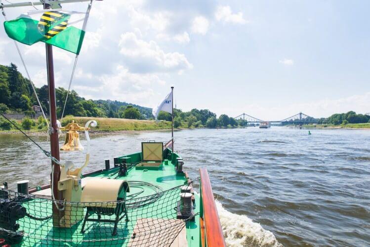 Stadtfahrt zu Wasser - Dresden vom Schiff aus - Bild 4