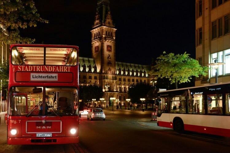 Abendliche Lichterfahrt - Mit Bus und Alsterschiff - Bild 5