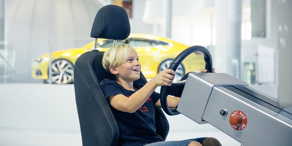 KID.s Tour - Familienführung Gläserne Manufaktur VW - Bild 1