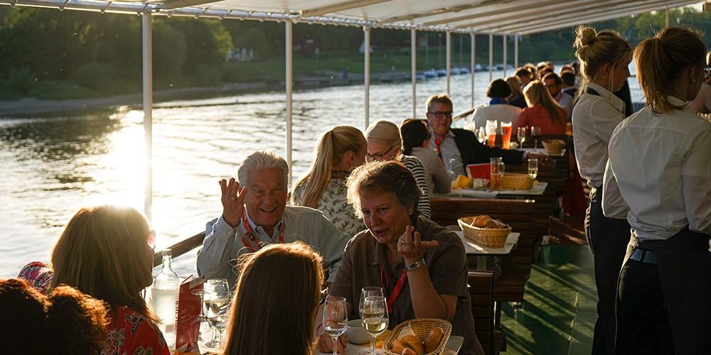 Summer Chillout - Mit Musik und Drinks über die Elbe - Bild 4