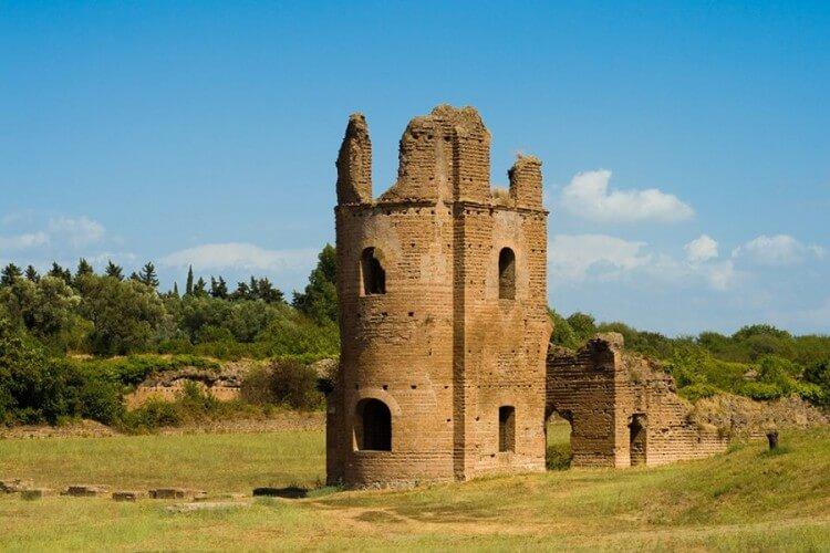 Halbtagestour: Basiliken, Heilige Treppe & Katakomben - Bild 5