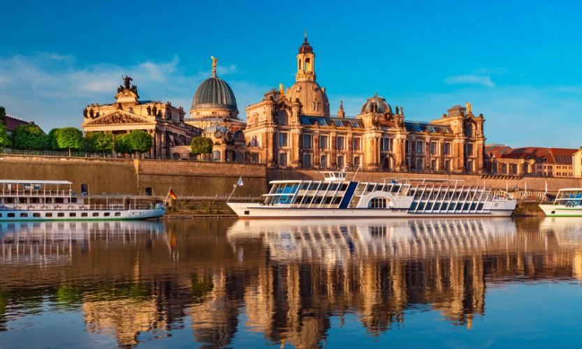 Stadtfahrt zu Wasser - Dresden vom Schiff aus - Bild 6