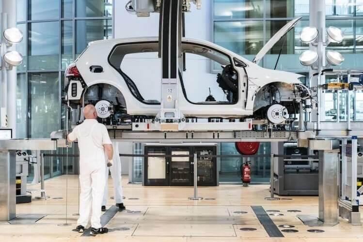 Führung Gläserne Manufaktur VW - Bild 1