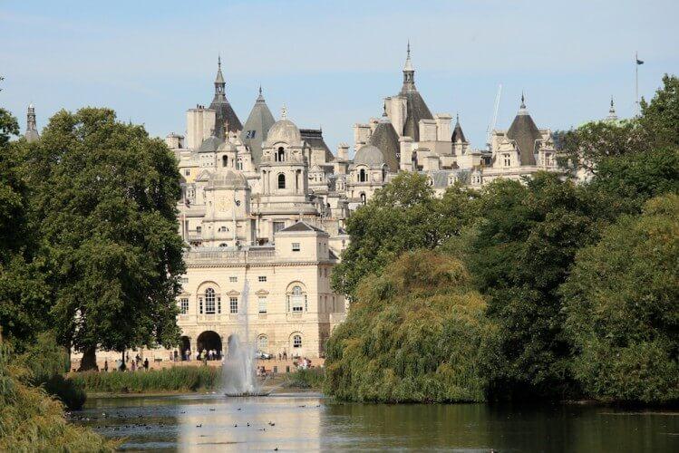 Führung: Wachablösung am Buckingham Palace - Bild 5