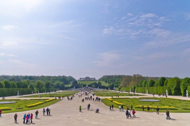 Stadtrundfahrt & Schloss Schönbrunn - Bild 4