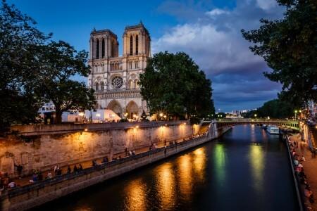 Paris bei Nacht & Grosse Stadtrundfahrt