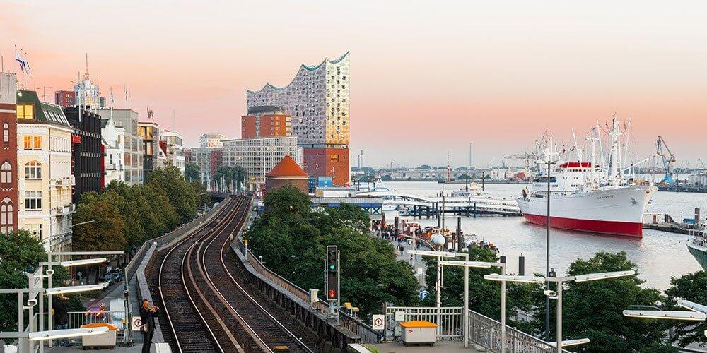 Hafenrundfahrt & Große Stadtrundfahrt - Bild 4
