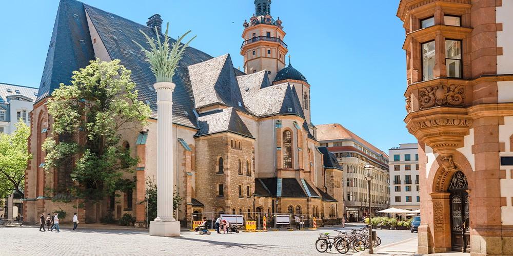Stadtrundfahrt mit Osterspaziergang & Osterei - Bild 6