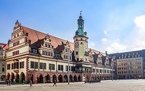 Stadtrundfahrt mit Osterspaziergang & Osterei - Bild 3