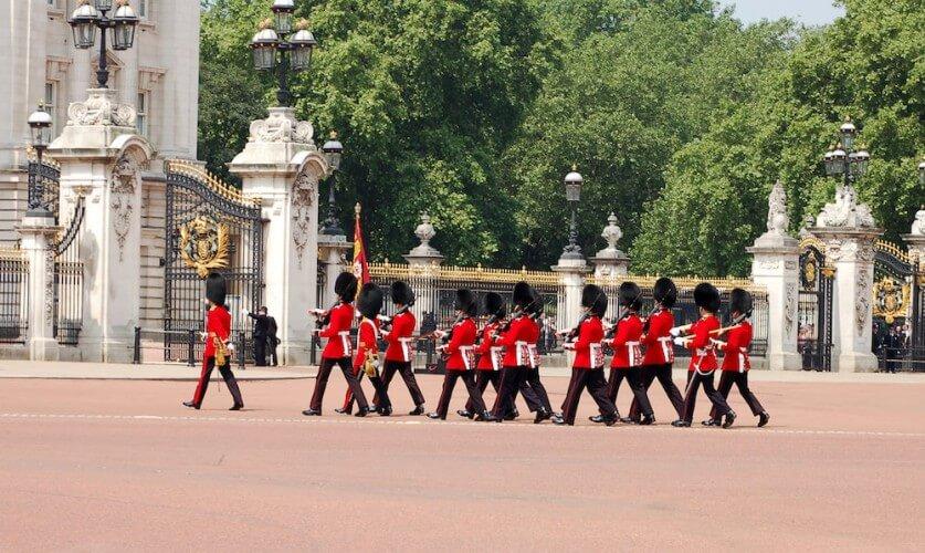 Führung: Wachablösung am Buckingham Palace - Bild 1