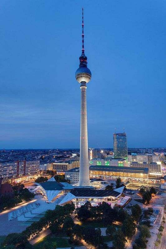 Pissmaul Anita in Berlin ordentlich zerfickt