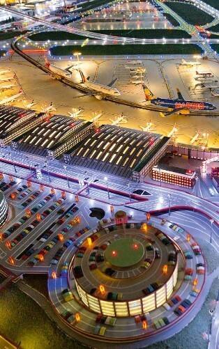 Flughafen-Modellschau am Hamburg Airport